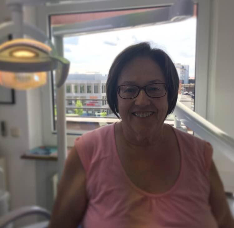 Brigitte Bayer, Verwaltung der Modernen Zahnarztpraxis Hanau